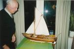 Sipman met scheepsmodel 02
